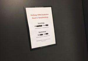 Tür zum Klausurraum